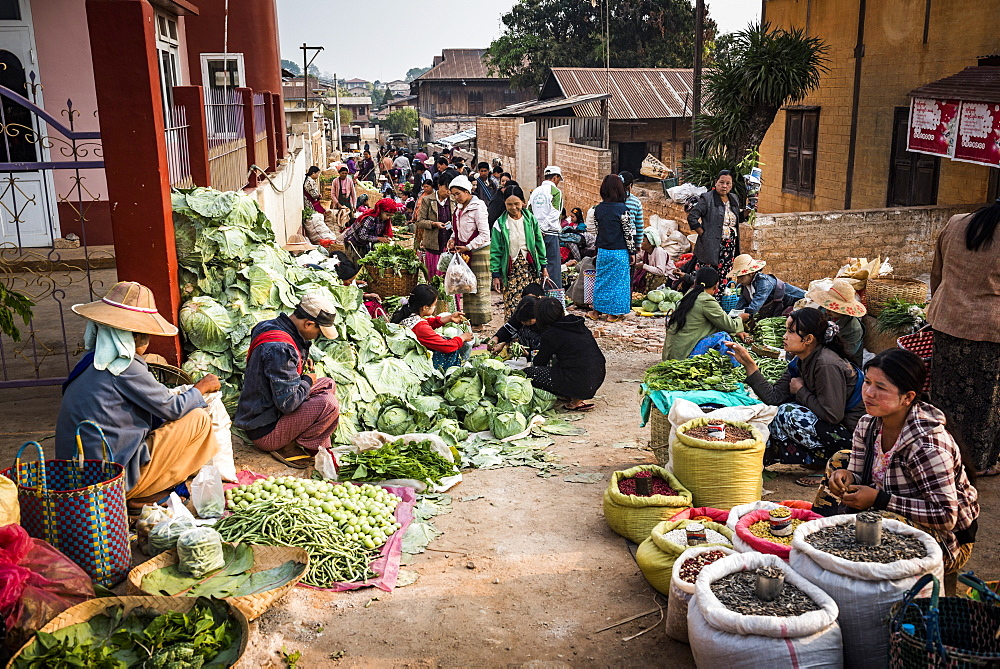 Fruit and vegetable market at Pindaya, Shan State, Myanmar (Burma) - 1109-3679