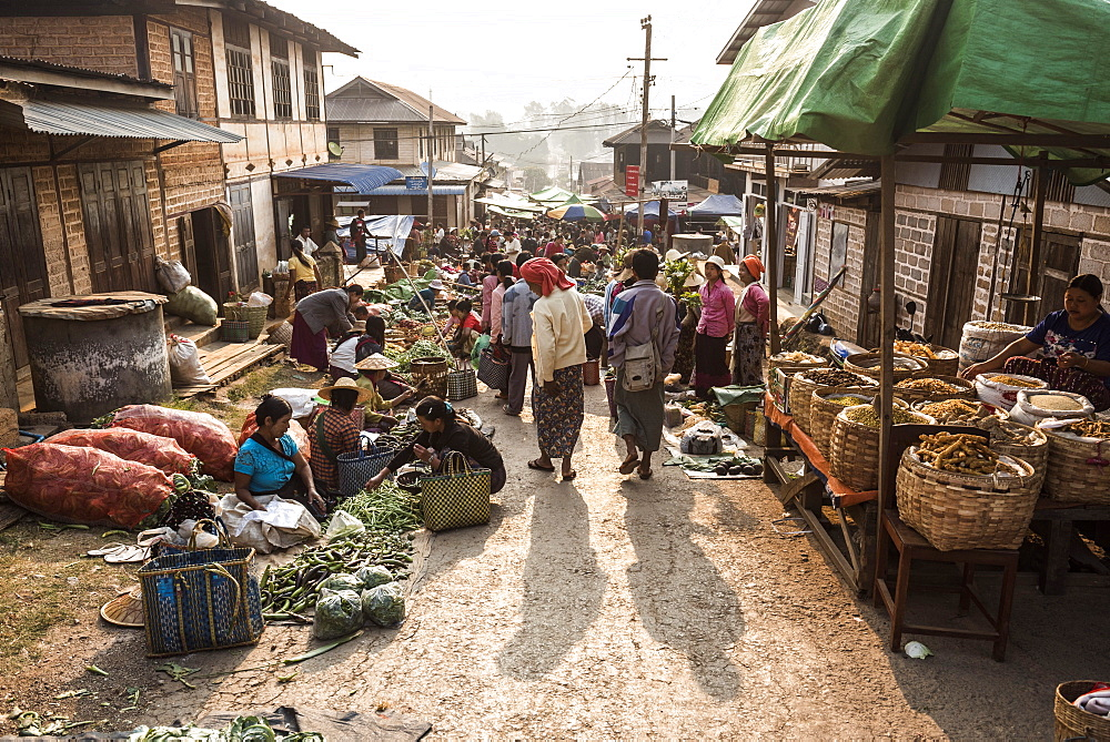 Fruit and vegetable market at Pindaya, Shan State, Myanmar (Burma) - 1109-3680
