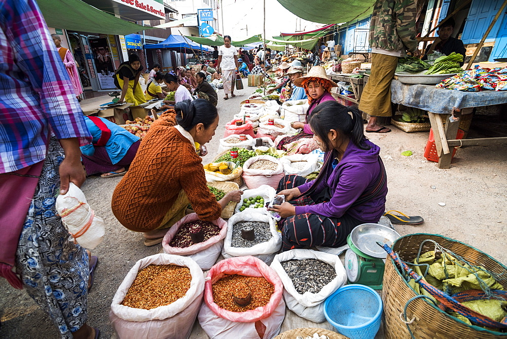 Fruit and vegetable market at Pindaya, Shan State, Myanmar (Burma) - 1109-3681