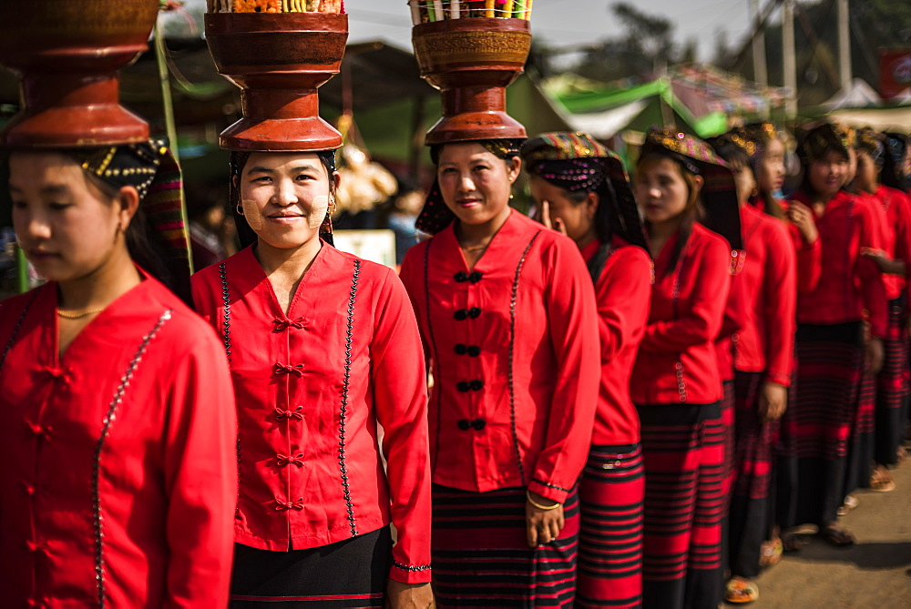 Women from Danu Tribe, Pindaya Cave Festival, Pindaya, Shan State, Myanmar (Burma), Asia