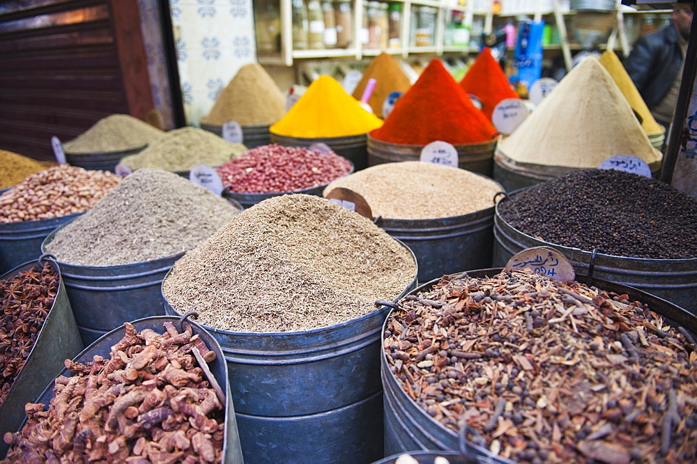Colourful spices for sale in the Marrakech souks, Morocco, North Africa, Africa