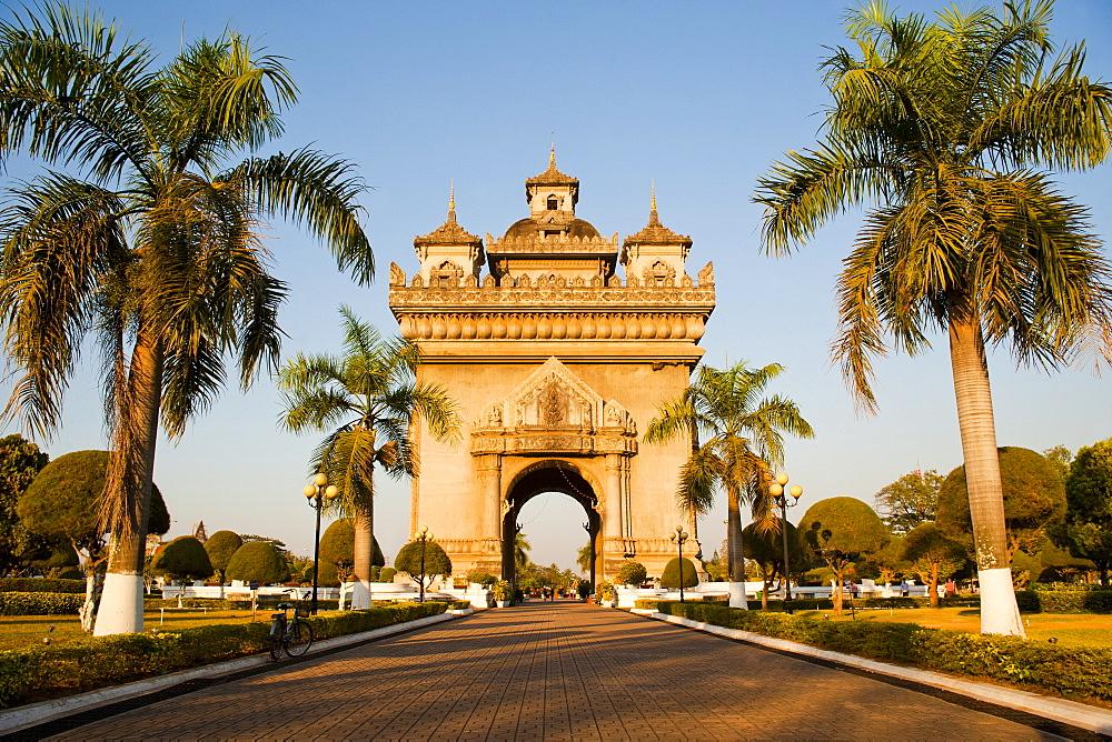 Patuxai, (Victory Gate), a replica of Arc de Triomphe, Vientiane, Laos, Indochina, Southeast Asia, Asia