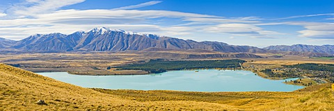 Lake Tekapo and snow capped mountains, Southern Lakes, Canterbury Region, South Island New Zealand, Pacific