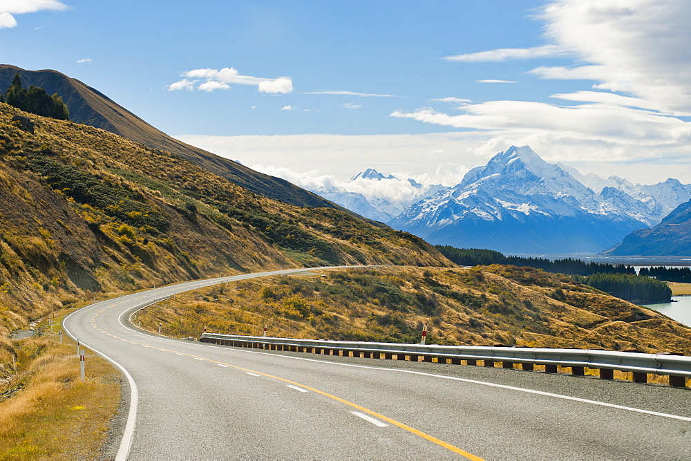 Road to Aoraki Mount Cook in Aoraki Mount Cook National Park, UNESCO World Heritage Site, South Island, New Zealand, Pacific