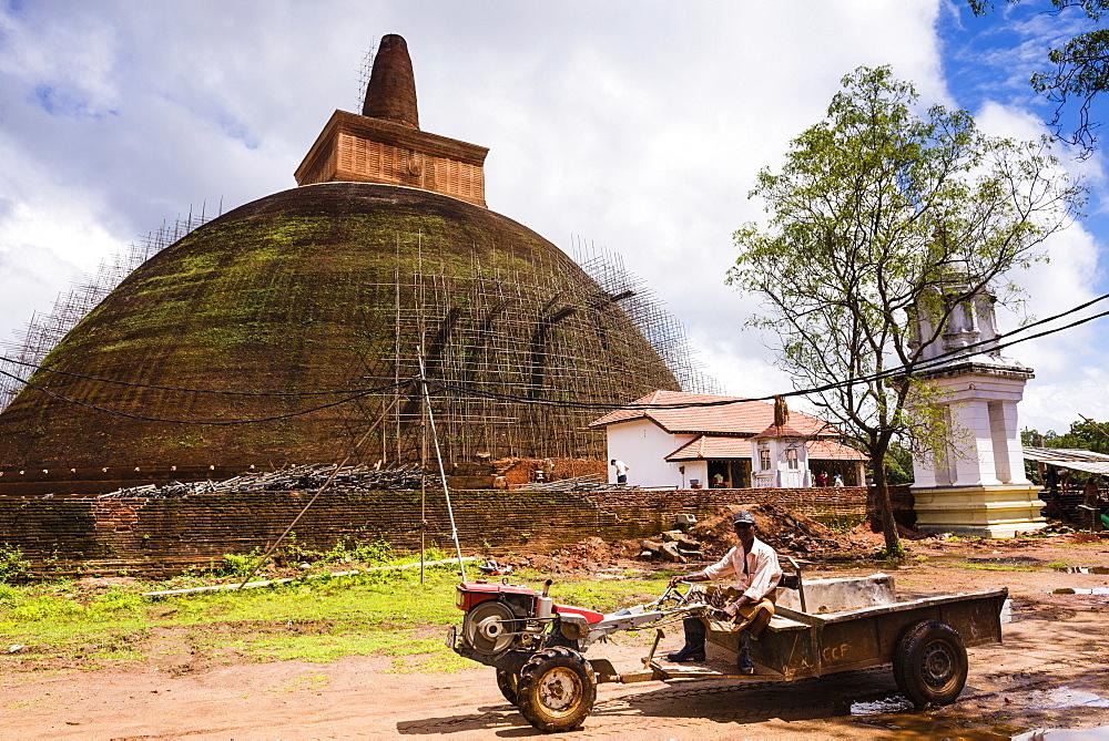 Renovation work at Abhayagiri Dagoba, Abhayagiri Monastery (Abhayagiri Vihara), Anuradhapura, UNESCO World Heritage Site, Sri Lanka, Asia