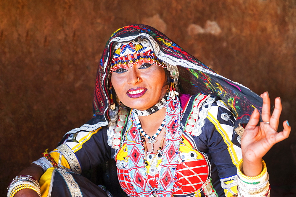 Kalbelia dancer with traditional clothing in Jodhpur, Rajasthan, India, Asia