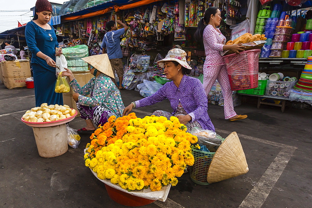 Fresh flowers for sale at market at Chau Doc, Mekong River Delta, Vietnam, Indochina, Southeast Asia, Asia