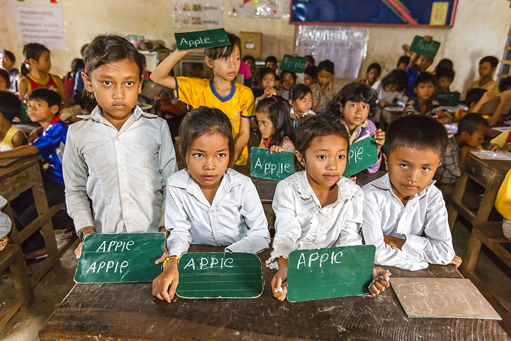 School children in the village of Kampong Tralach on the Tonle Sap River, Kampong Chhnang Province, Cambodia, Indochina, Southeast Asia, Asia