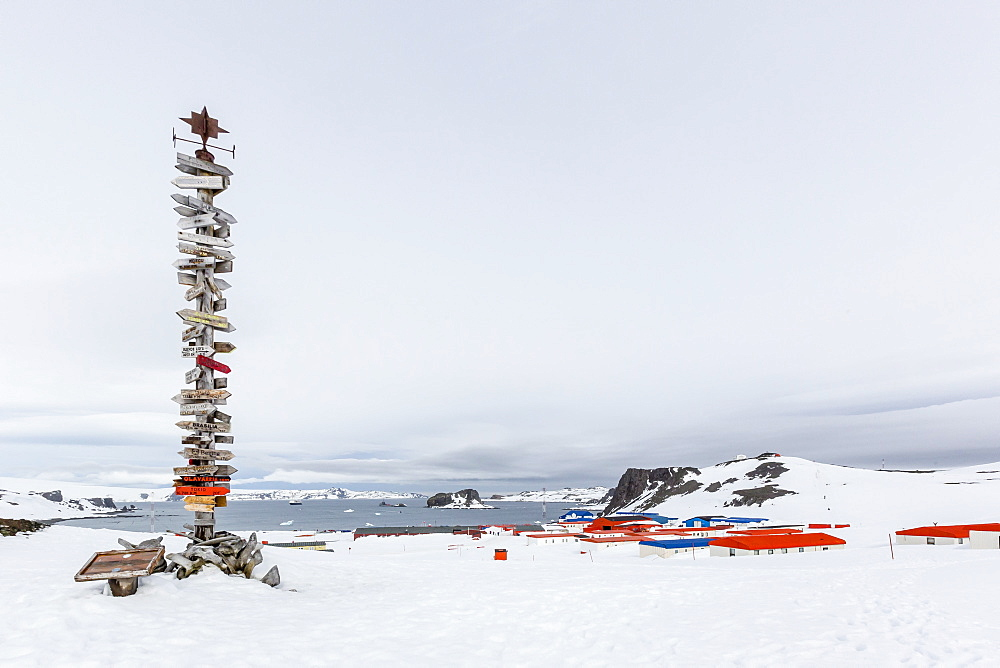 Chilean Research Station Frei Base, King George Island, South Shetland Island Group, Antarctica, Polar Regions