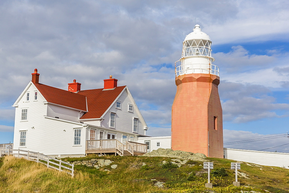 Long Point lighthouse on Crow Head, North Twillingate Island off the northeast coast of Newfoundland, Canada, North America