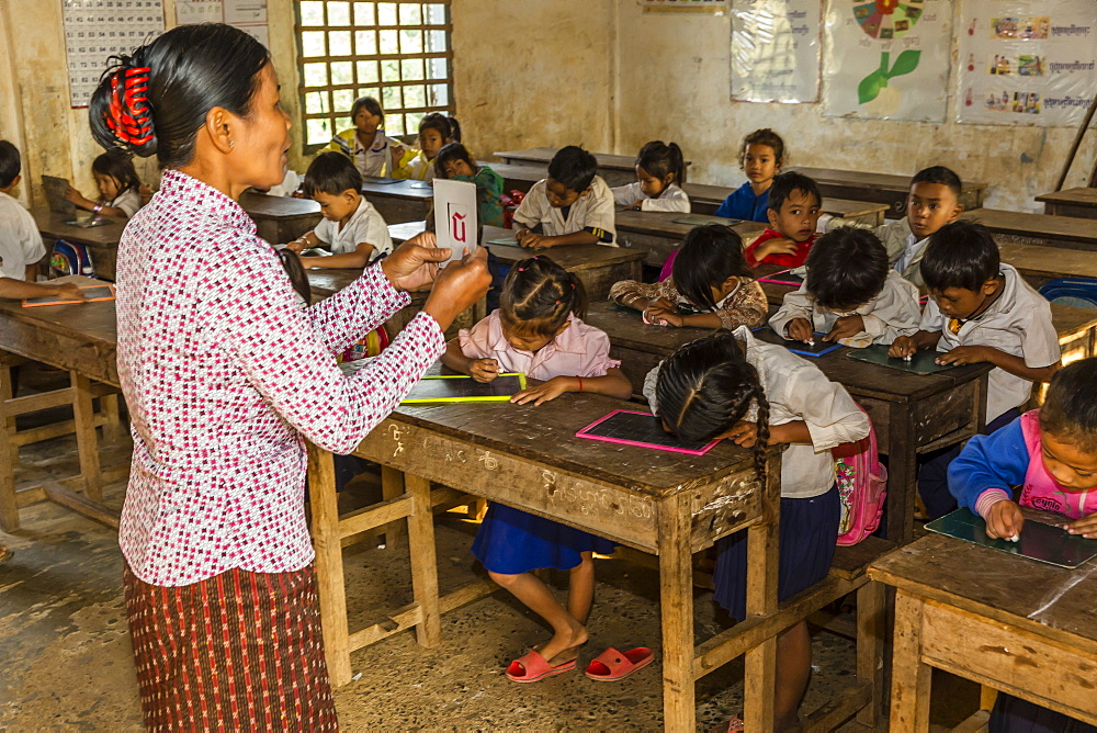 School children in class in the village of Kampong Tralach, Tonle Sap River, Cambodia, Indochina, Southeast Asia, Asia