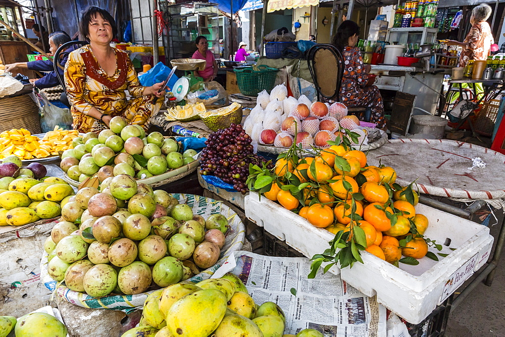 Fresh produce for sale at local market in Chau Doc, Mekong River Delta, Vietnam, Indochina, Southeast Asia, Asia