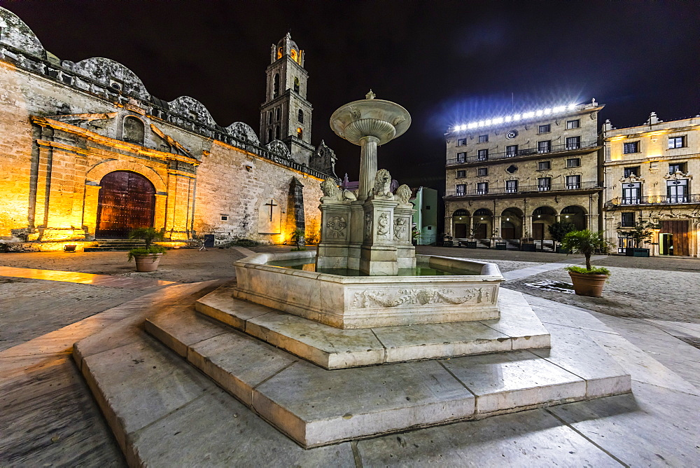 Fuentes de los Leones (Fountains of the Lions), in the Plaza de San Francisco, Havana, Cuba, West Indies, Central America