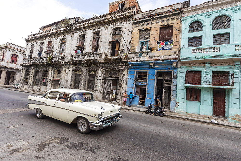 Classic American car being used as a taxi, locally known as almendrones, Havana, Cuba, West Indies, Central America