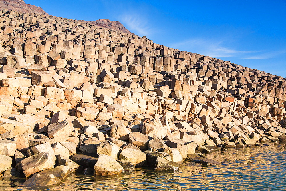 Columnar basalt, Vikingbukta (Viking Bay), Scoresbysund, Northeast Greenland, Polar Regions