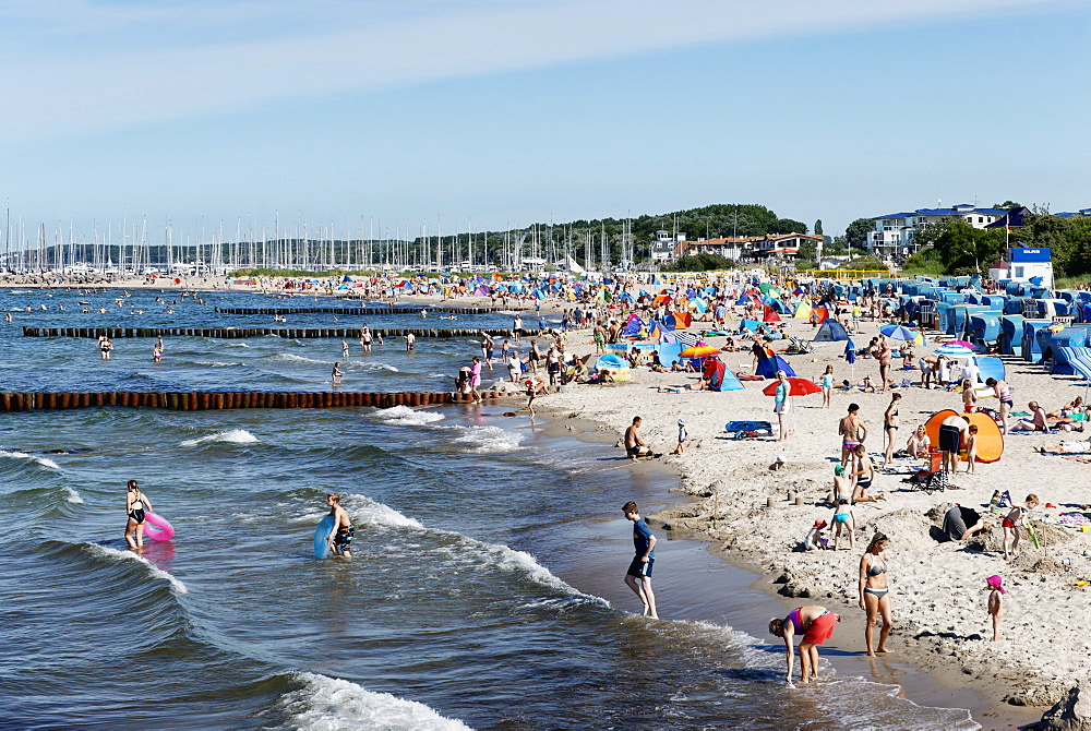 Beach at the seaside resort of Kuehlungsborn at the Baltic Sea, Mecklenburg-Western Pomerania, Germany