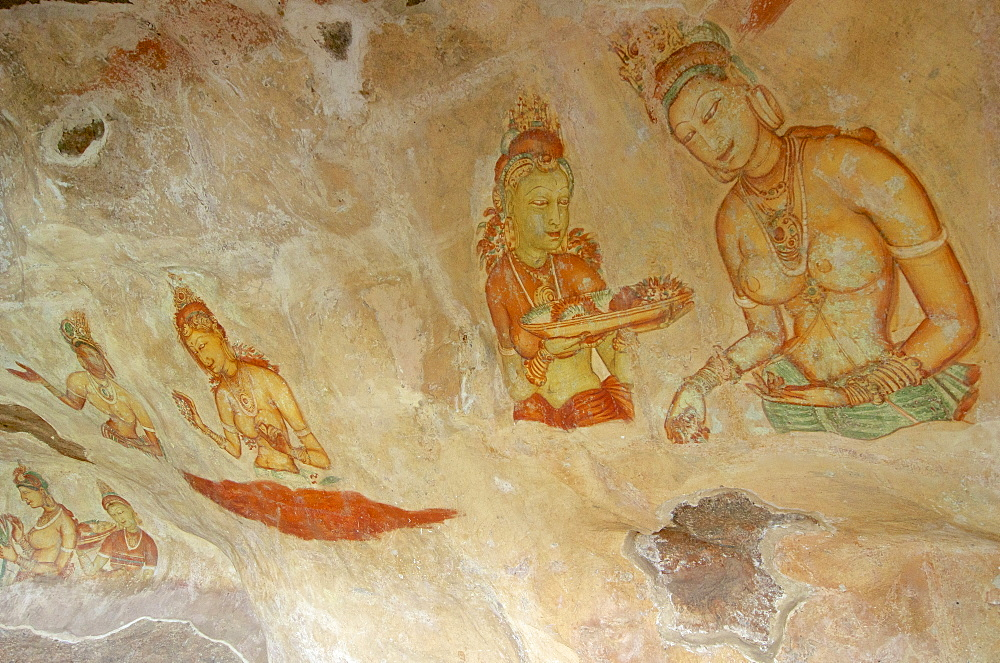 Female spirit of the clouds and waters, Apsara, frescos from the 5th century at lion rocks, Simha Gira, Sigiriya, Matale Distict, Kulturdreieck, Sri Lanka