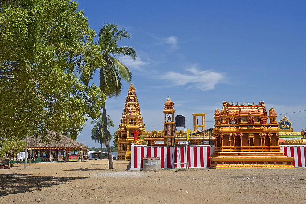 Hindu temple on the coast between Baticaloa and Pottuvil, East coast, Sri Lanka