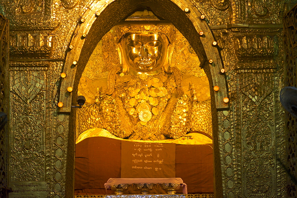 Mahamuni Statue in the Mahamuni pagoda at Mandalay, Myanmar, Burma