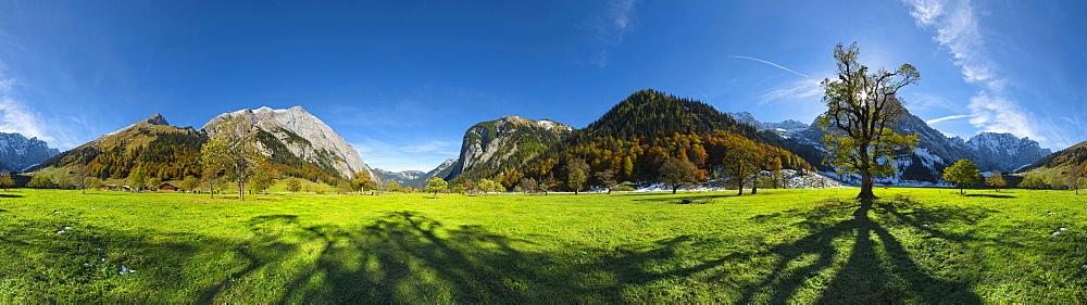 Grosser Ahornboden with the Karwendel mountain in the background, Tyrol, Austria
