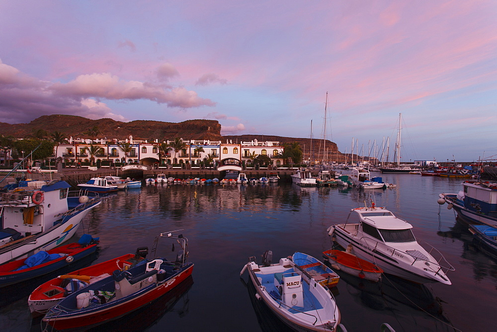 Fishing port and village in the evening, Puerto de Mogan, Gran Canaria, Canary Islands, Spain, Europe