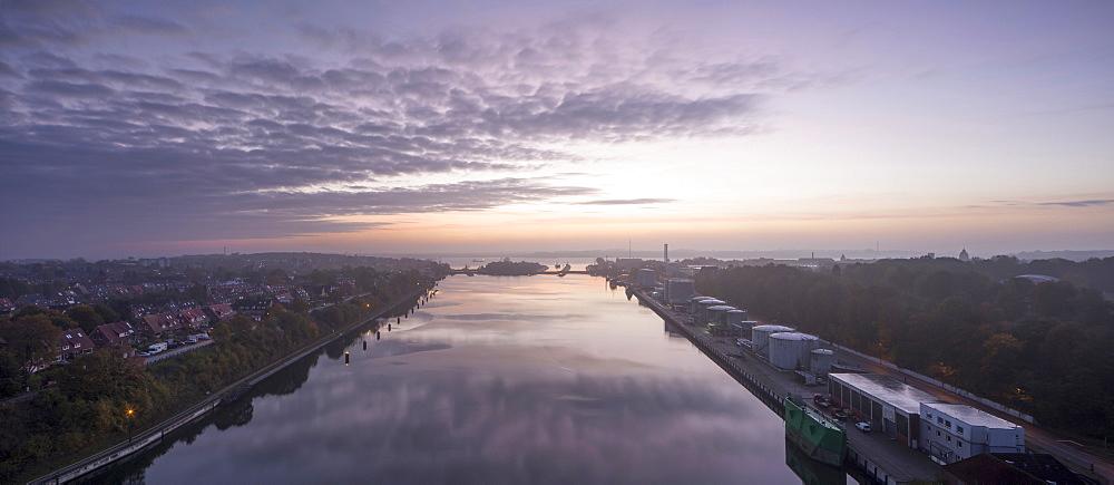 Holtenau locks, Kiel Canal, Kiel, Schleswig-Holstein, Germany