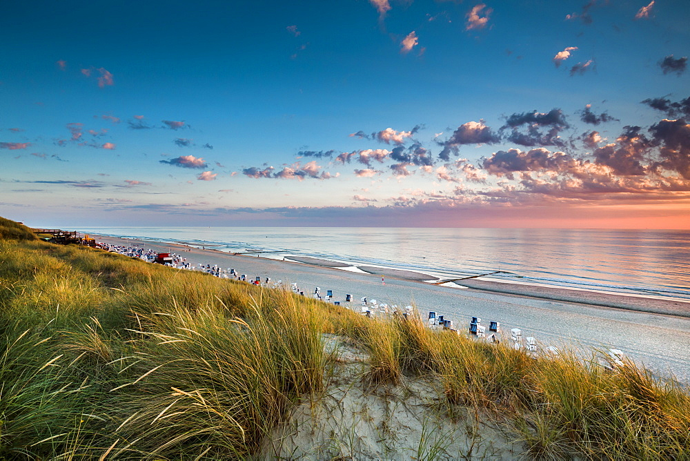 Sunset, beach and dunes, Wenningstedt, Sylt Island, North Frisian Islands, Schleswig-Holstein, Germany - 1113-102152
