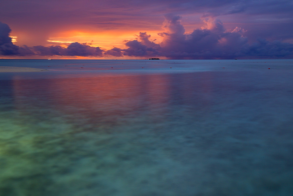 Sunset at Meeru Island Resort, Meerufenfushi, North-Male-Atoll, Maldives