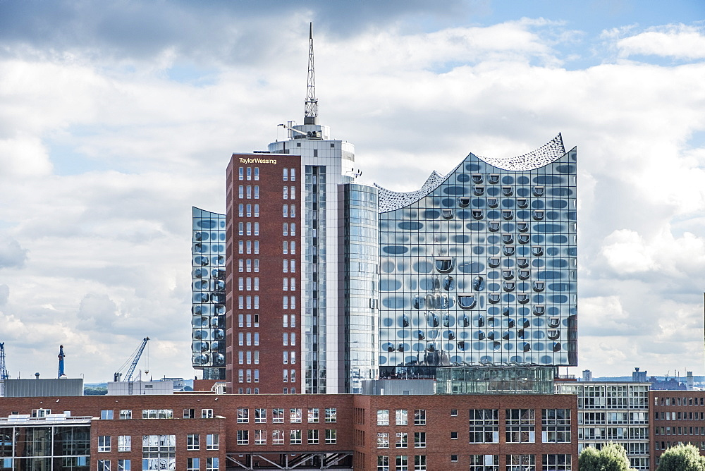 Hamburgs new Elbphilharmonie, modern architecture in Hamburg, Hamburg, north Germany, Germany