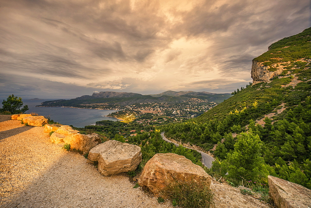 Route des Cretes, rocks, Cassis, Cote d Azur, France