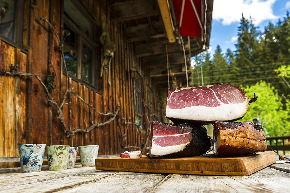 Black Forest Ham, Untermuehlbachhof, St.Georgen-Peterzell, Black Forest, Baden-Wuerttemberg, Germany - 1113-102653