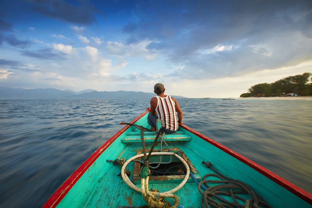 Fisherman, Boat Trip between the Islands, Gili Trawangan, Lombok, Indonesia - 1113-102767