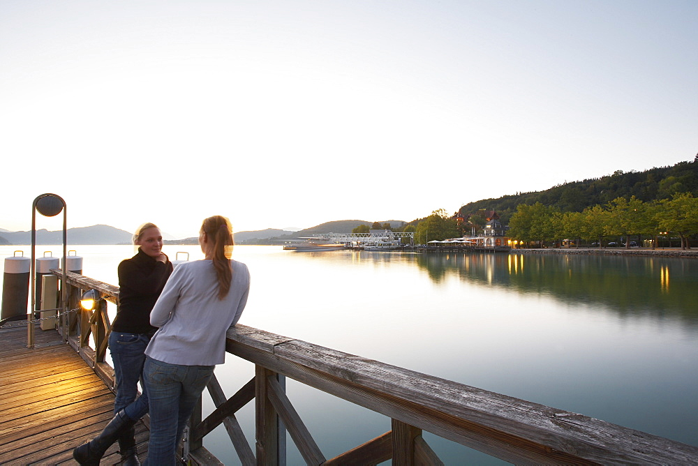 Europe, Austria, Woerthersee, restaurant Villa Lido, harbor, promenade, footbridge