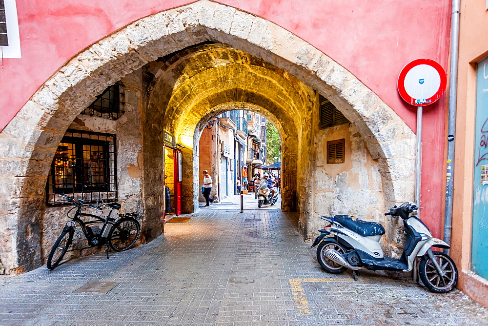 Bars and restaurants in the area called La Lonja, historic city centre, Ciutat Antiga, Palma de Mallorca, Majorca, Balearic Islands, Mediterranean Sea, Spain, Europe