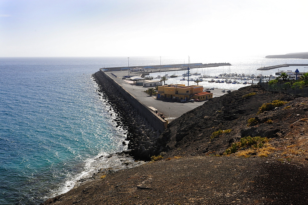 Port of Morro Jable, Playa del Matorral, Jandia Peninsula, Fuerteventura, Canary Islands, Atlantic Ocean, Spain