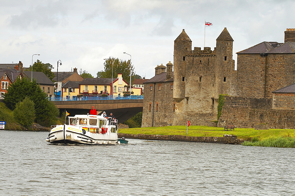 outdoor photo, with a houseboat on the River Erne, Enniskillen, Shannon & Erne Waterway, County Fermanagh, Northern Ireland, Europe