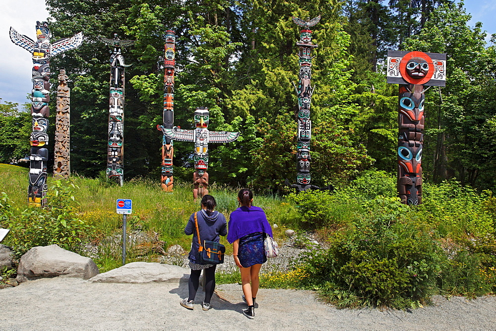 Totem pole in Stanley Park, Vancouver City, Canada, North America