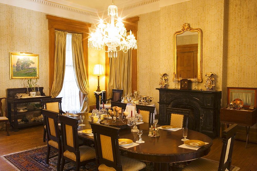 Dining room in the Madewood Plantation n Napoleonville, Louisiana, USA