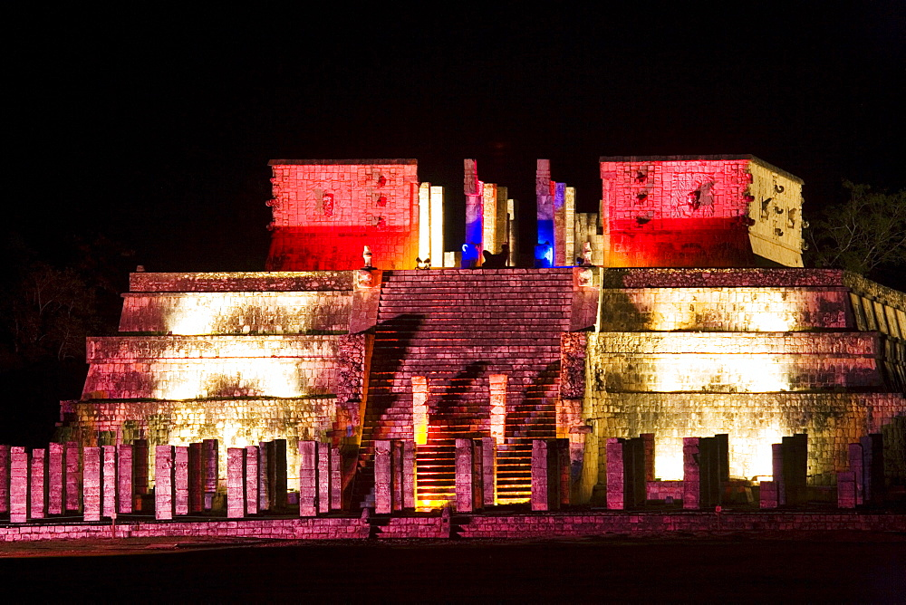 Light show at the Mayan temple ruins in Chichen Itza, Temple of the warriors, State of Yucatan, Peninsula Yucatan, Mexico