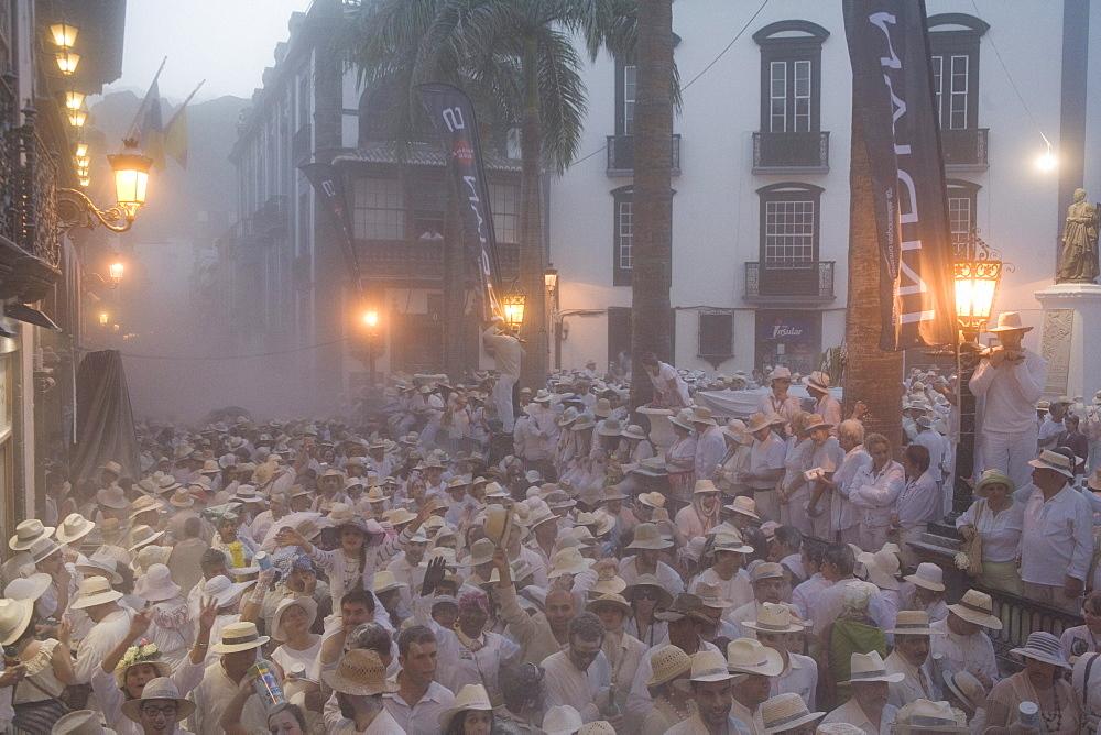 Traditional talcum powder festival to celebrate the homecoming from the colonies, Fiesta de los Indianos, Santa Cruz de La Palma, La Palma, Canary Islands, Spain, Europe