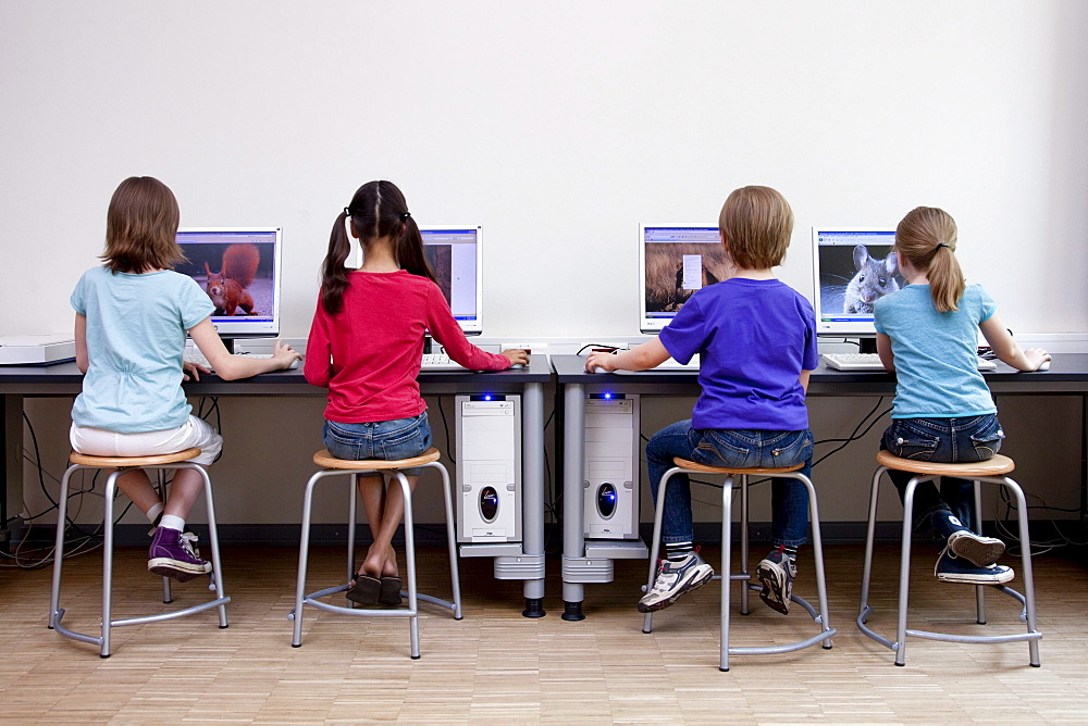 Pupils using computers, Hamburg, Germany
