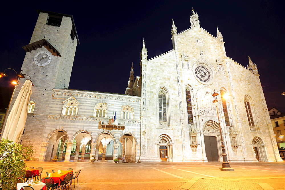 Broletto and cathedral at night, Como, Lombardy, Italy