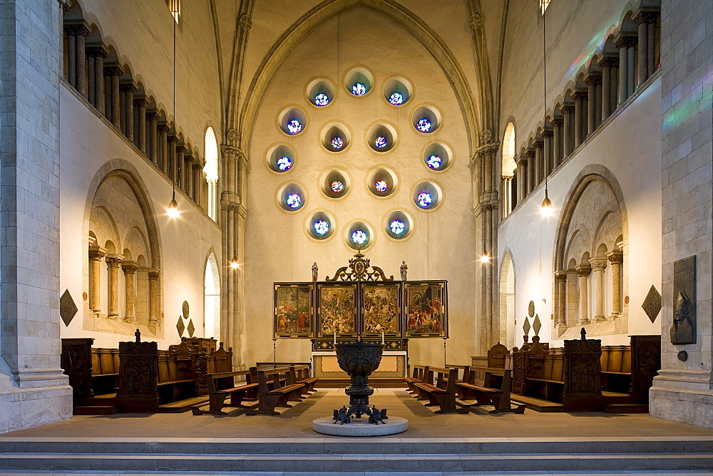Cathedral of St. Paul with font and altar, Muenster, North Rhine-Westphalia, Germany, Europe