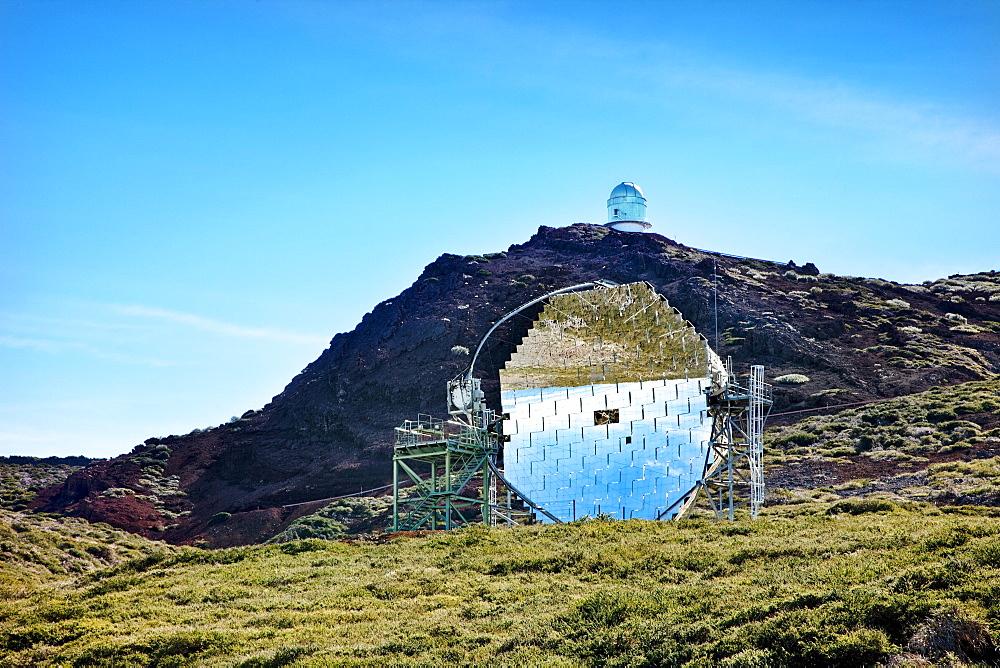 Reflecting telescope in front of a mountain, Roque de los Muchachos, Caldera de Taburiente, La Palma, Canary Islands, Spain, Europe