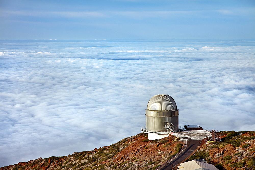 Observatory above cloud cover, Roque de los Muchachos, Caldera de Taburiente, La Palma, Canary Islands, Spain, Europe