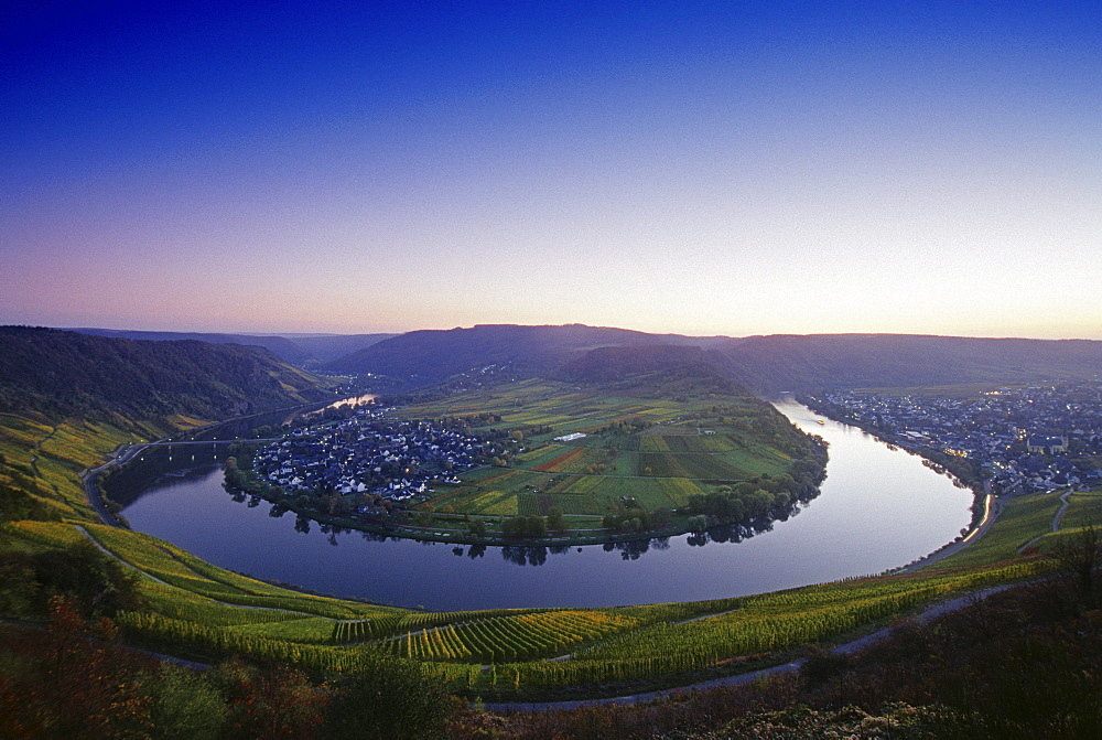 View at the Mosel sinuosity near Kroev at dusk, Mosel, Rheinland-Palatinate, Germany