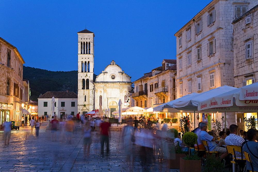 People at sidewalk cafes in the Old Town in the evening, Hvar, Hvar Island, Dalmatia, Croatia, Europe