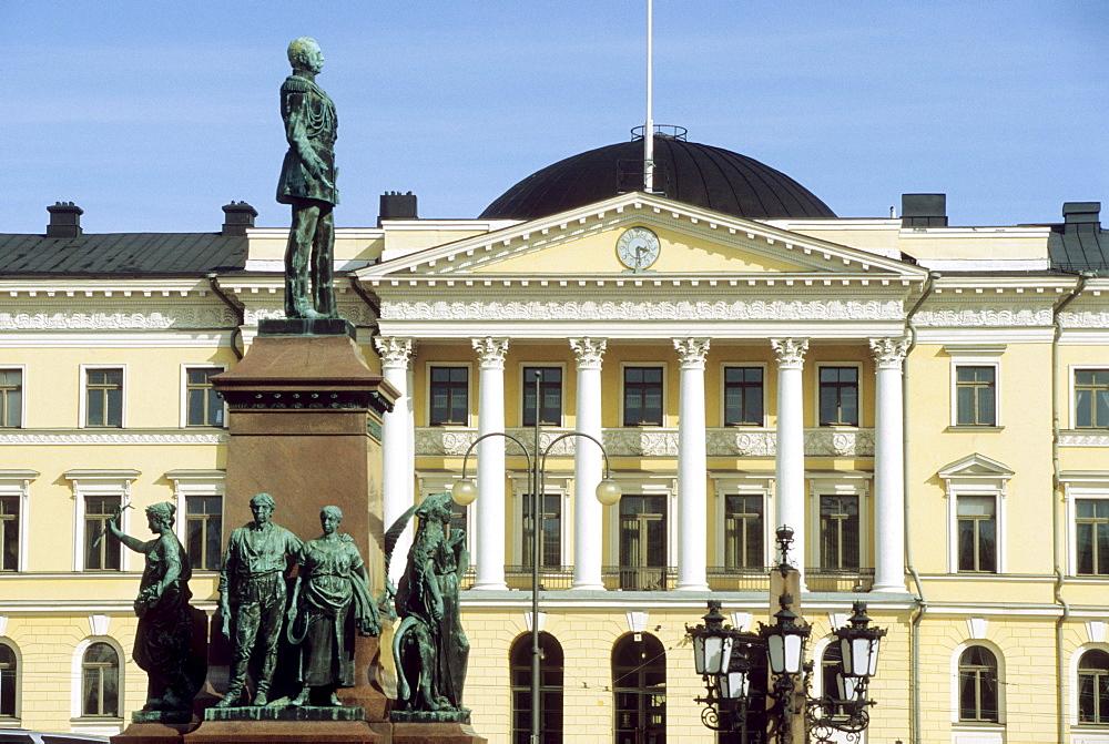 Government building at square Senatsplatz, Helsinki, Finland, Europe
