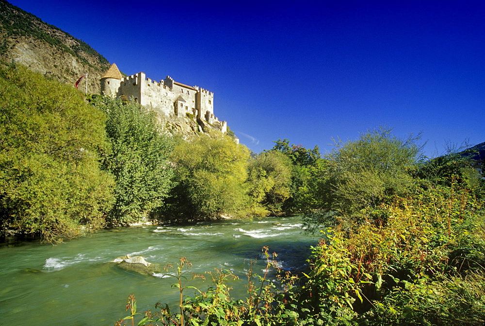 Castelbello castle, Fiume Adige, Val Venosta, Dolomite Alps, South Tyrol, Italy