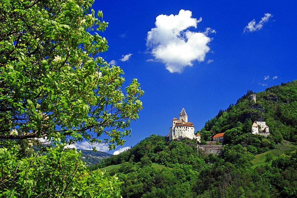 Trostburg castle, near Ponte Gardena, Valle Isarco, Dolomite Alps, South Tyrol, Italy